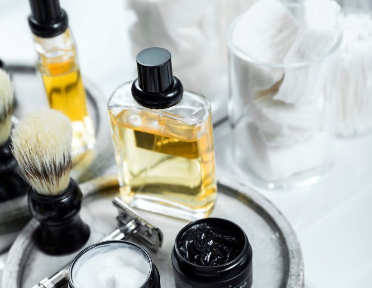 Shaving kit and aftershave