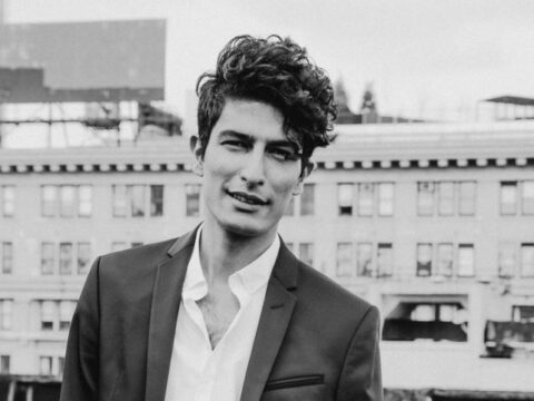 How to Style Curly Hair for Men: The Disheveled Devil