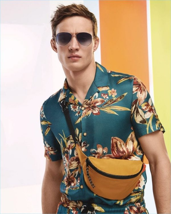 How to Wear a Hawaiian Print Shirt