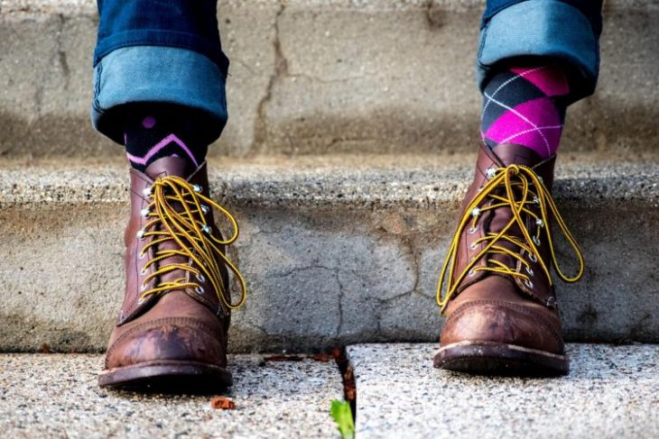 What Color Socks Should You Wear With Jeans?