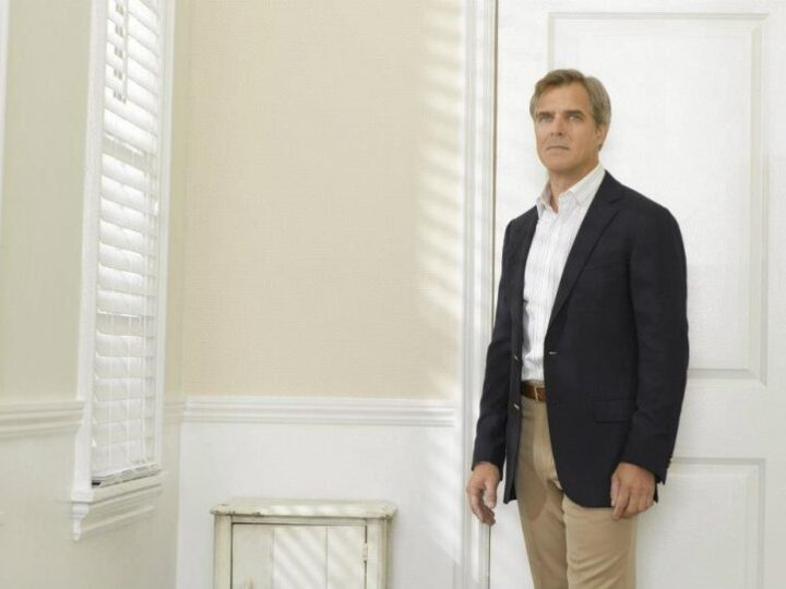 Actor Henry Czerny on High Stakes Games and Therapeutic Carpentry
