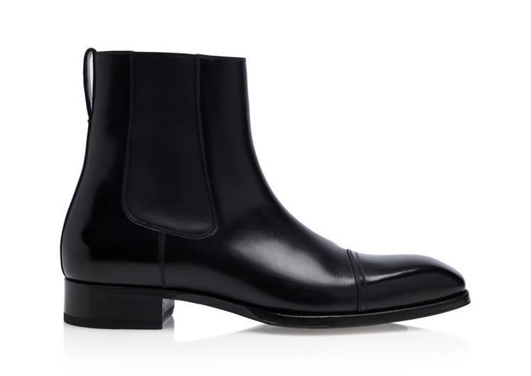 Black boots with heels for men