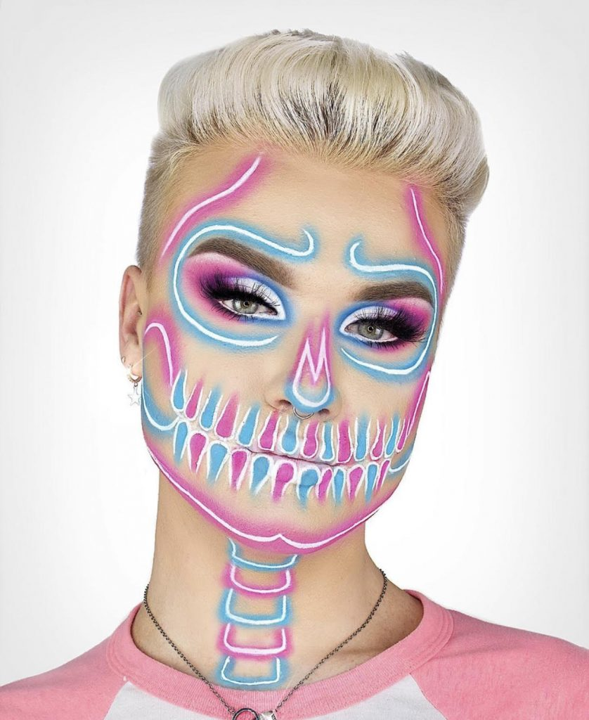 Neon-Skull-_-Pout-by-Lipsticknick
