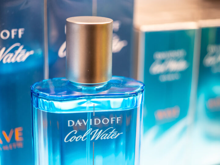 Cool Water Perfume by Davidoff: A Review Of The 80s Classic