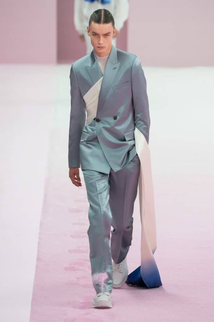 Man wearing a Dior soft suit for SS20