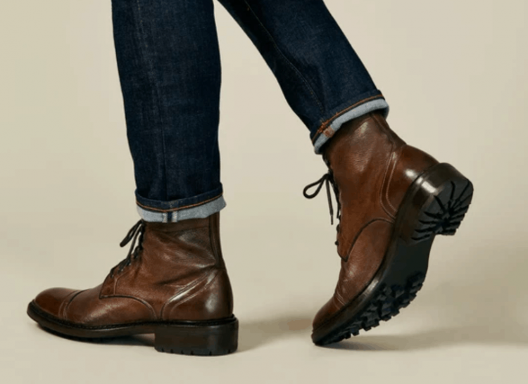 man wearing m.gemi boots