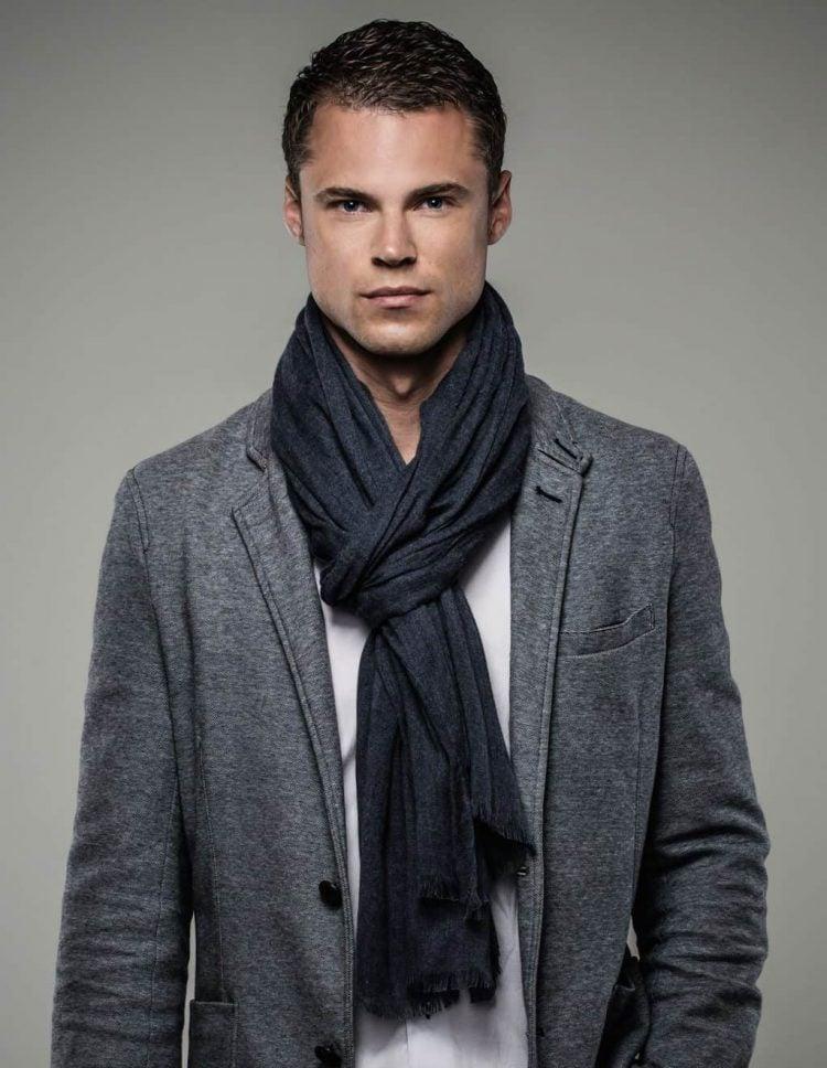 basic-fold-scarf-suit