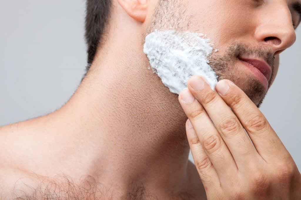 apply-shaving-cream-hands