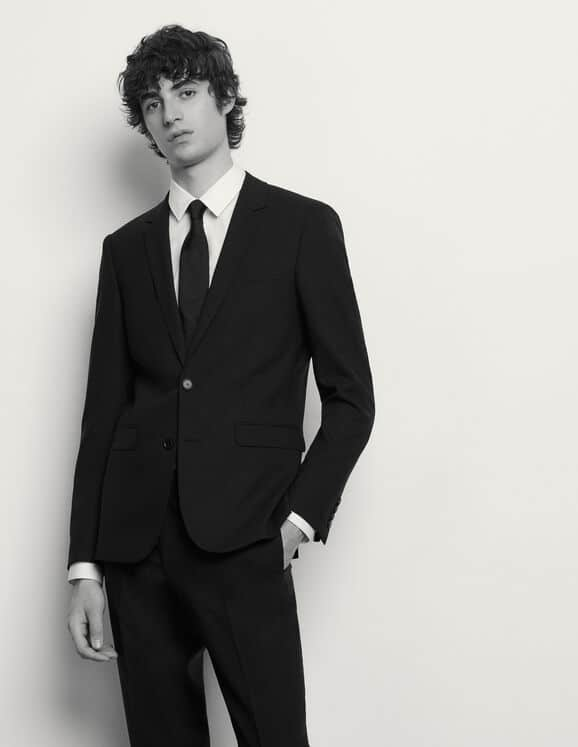 Black_Suit_Sandro_Paris