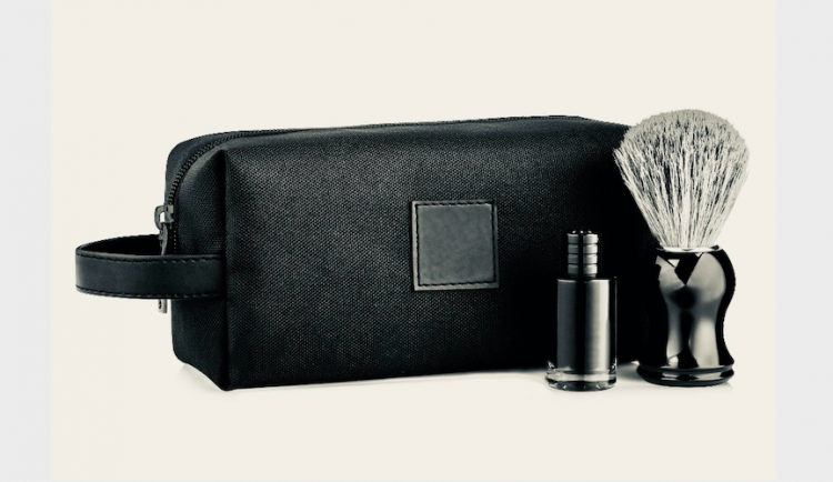 Black cosmeBlack cosmetic bag for mentic bag for men