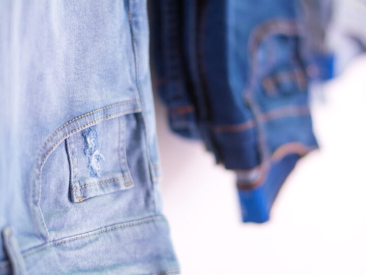 What are Dad Jeans? Understanding This Vintage-Modern Trend