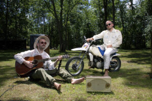 """Duo Gilligan Moss Release Uplifting, Ultra-Chill """"Ultraparadiso"""""""